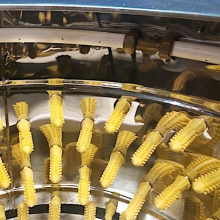 Клетки Профи 2 - Перосъёмная машина NT-600WF для бройлеров c подачей воды.